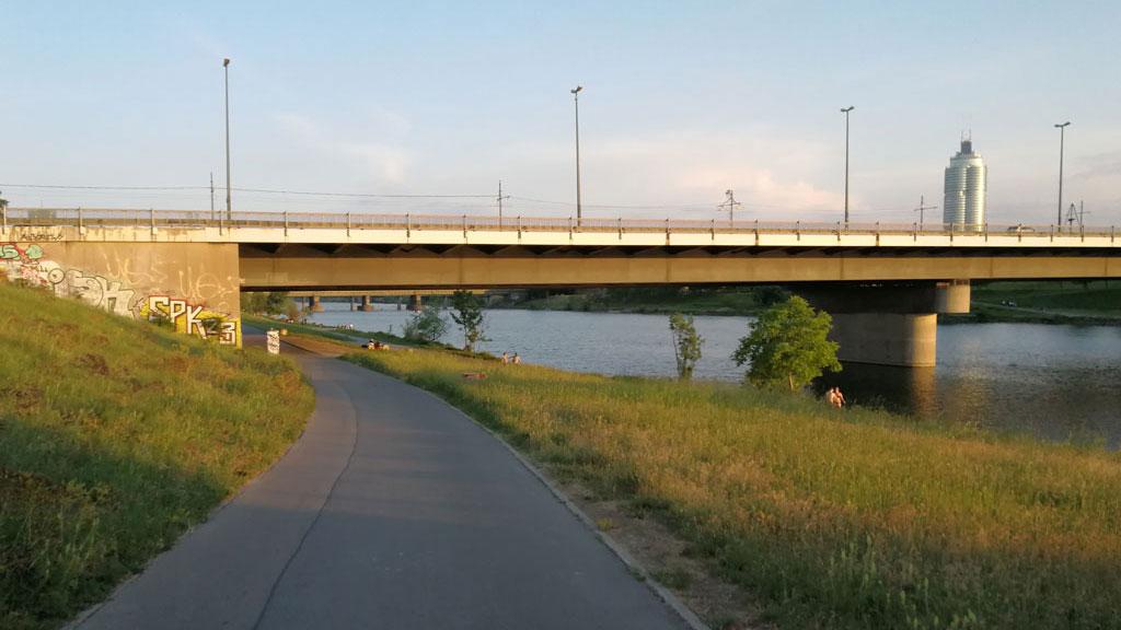 STC_rides_BicycleUrbanism_20180513_Decarbonizing_08