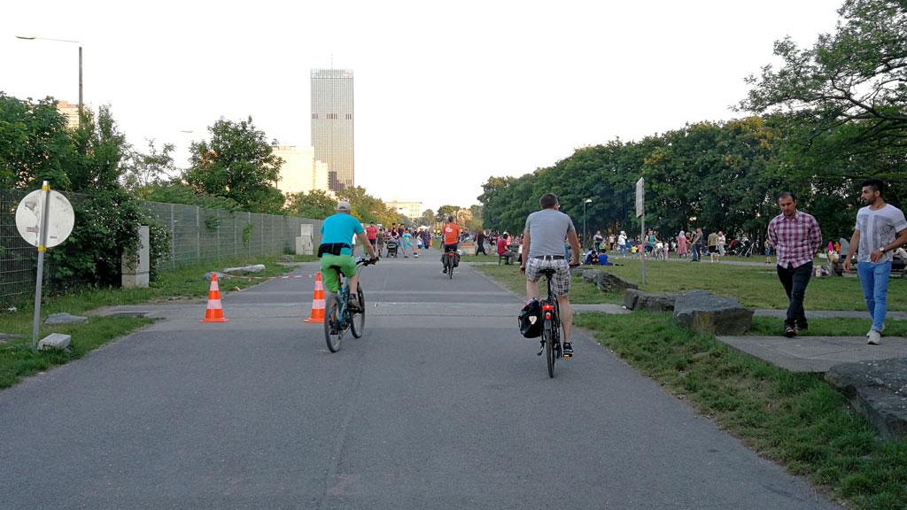 STC_rides_BicycleUrbanism_20180513_Decarbonizing_12