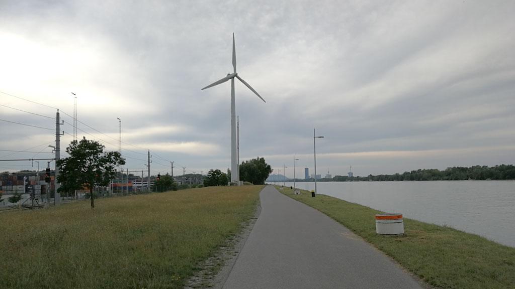 SmarterThanCar_rides_BicycleUrbanism_Hybride-Landschaften09