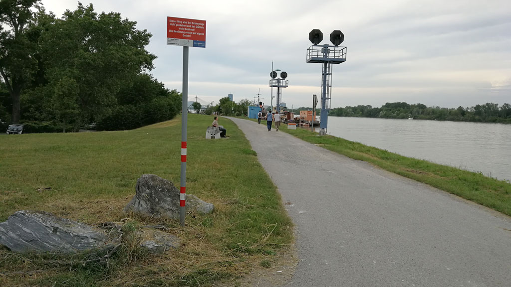 SmarterThanCar_rides_BicycleUrbanism_Hybride-Landschaften11