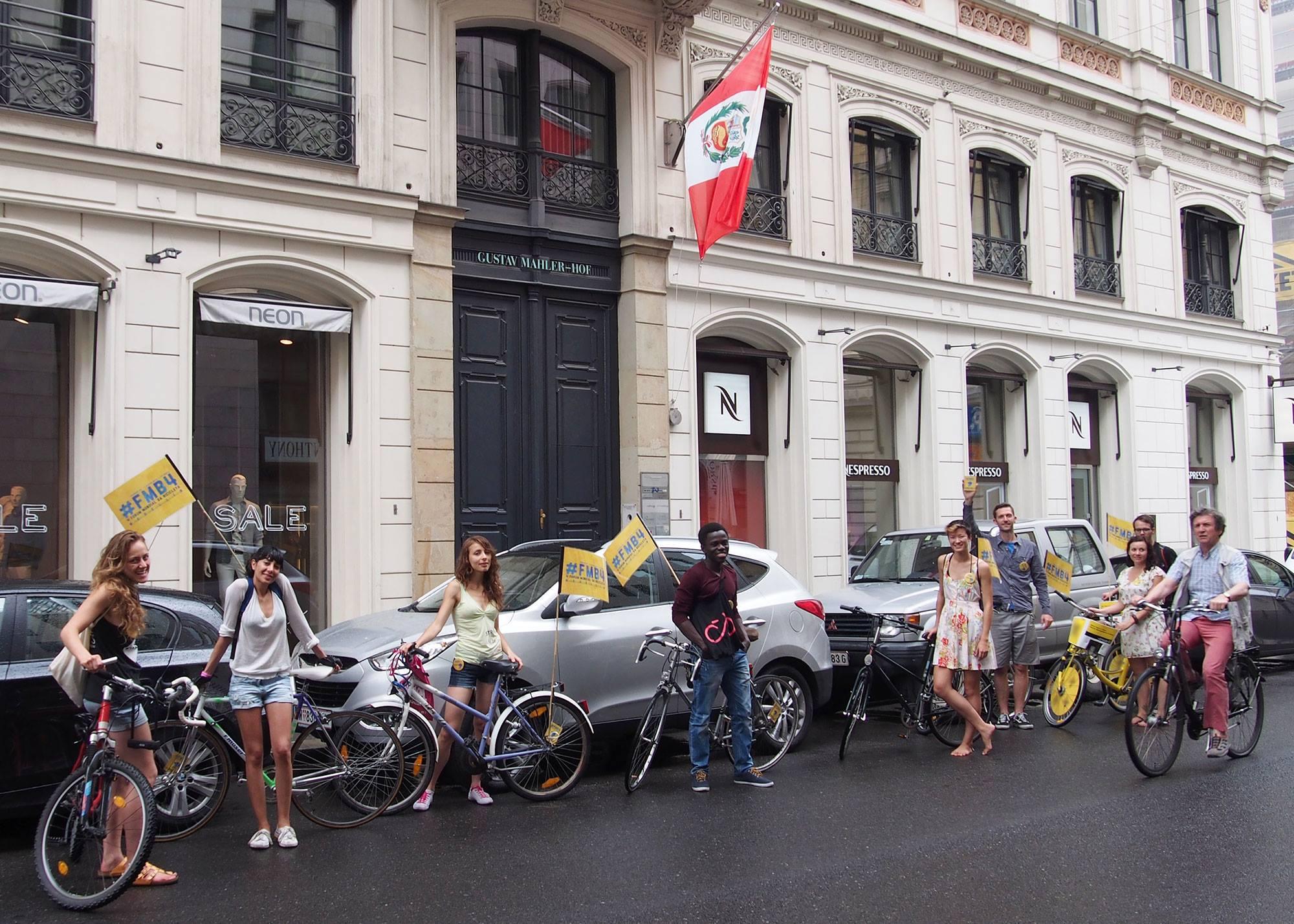 SmarterThanCar_rides_WorldTourInOneDay_2014_08